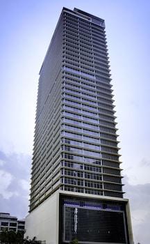 Oakwood Premier Joy Nostalg Center Manila Hotel Front