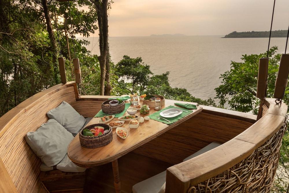 https://i.travelapi.com/hotels/3000000/2710000/2700100/2700059/61ec3bcc_z.jpg