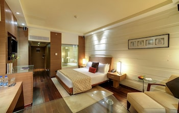Superior Room City View Queen Bed