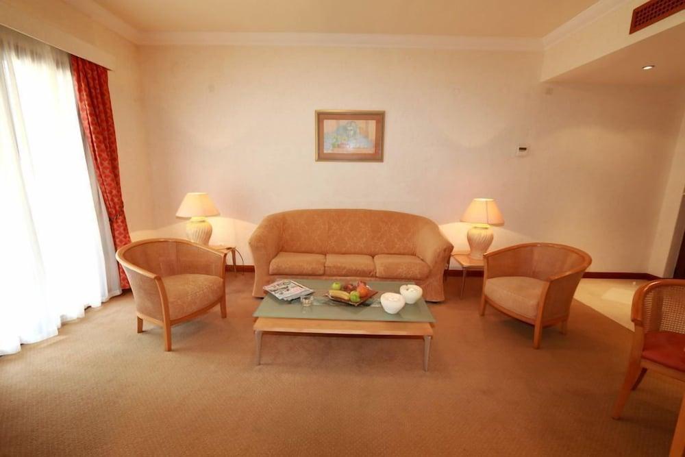 악스 애너벨 비치 리조트(Annabelle Beach Resort - All Inclusive) Hotel Image 30 - Living Room
