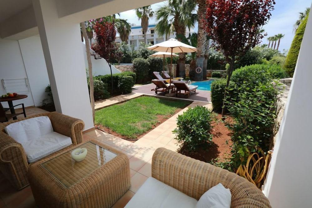 악스 애너벨 비치 리조트(Annabelle Beach Resort - All Inclusive) Hotel Image 32 - Terrace/Patio
