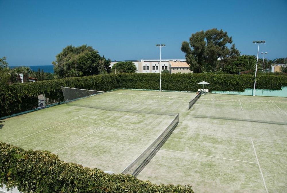 악스 애너벨 비치 리조트(Annabelle Beach Resort - All Inclusive) Hotel Image 55 - Tennis Court