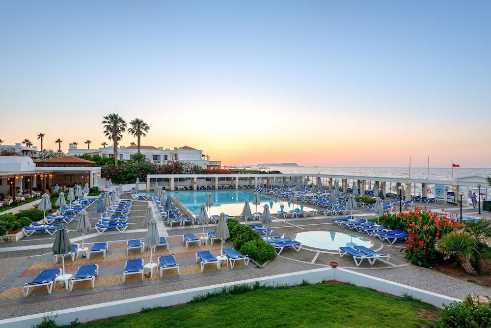 악스 애너벨 비치 리조트(Annabelle Beach Resort - All Inclusive) Hotel Image 1 - Pool