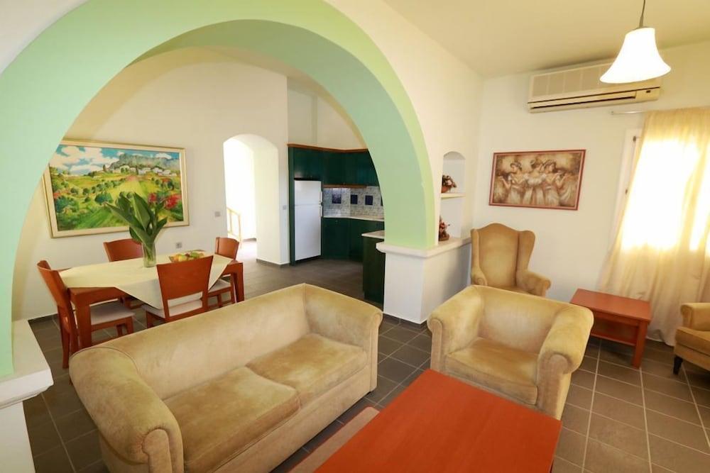 악스 애너벨 비치 리조트(Annabelle Beach Resort - All Inclusive) Hotel Image 29 - Living Room