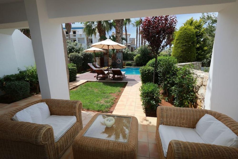 악스 애너벨 비치 리조트(Annabelle Beach Resort - All Inclusive) Hotel Image 33 - Terrace/Patio