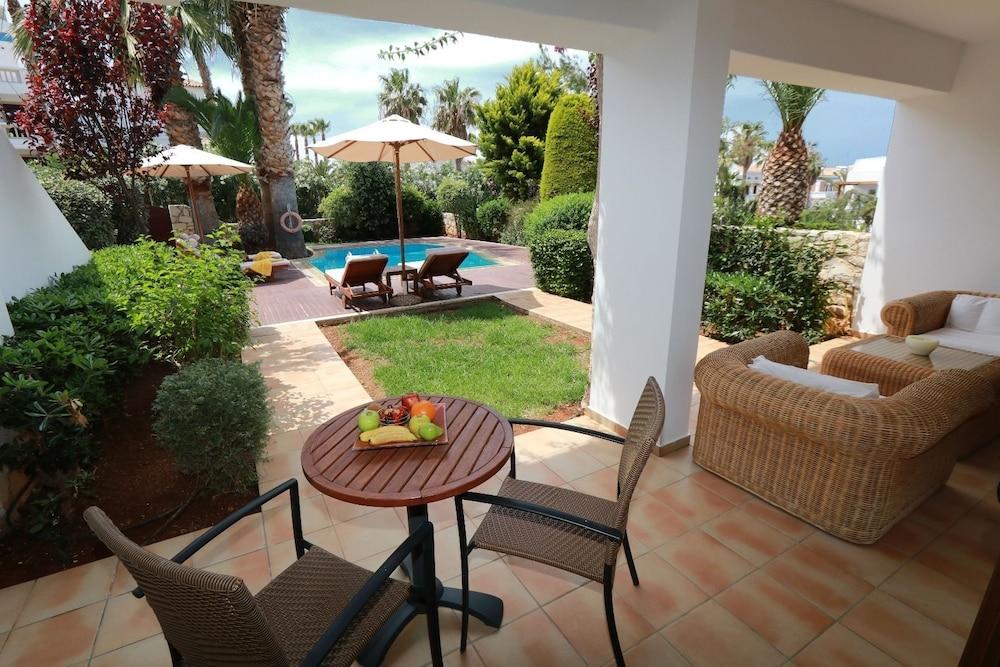 악스 애너벨 비치 리조트(Annabelle Beach Resort - All Inclusive) Hotel Image 67 - Terrace/Patio