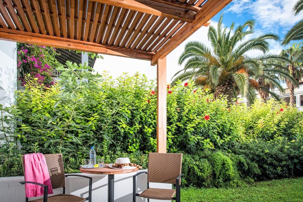 악스 애너벨 비치 리조트(Annabelle Beach Resort - All Inclusive) Hotel Image 37 - Terrace/Patio