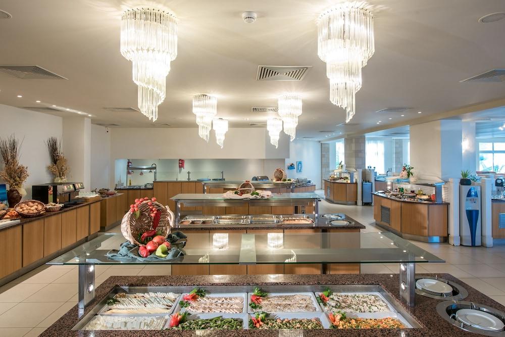 악스 애너벨 비치 리조트(Annabelle Beach Resort - All Inclusive) Hotel Image 58 - Buffet