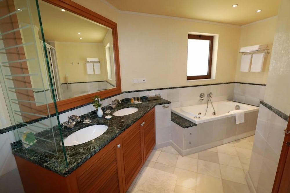 악스 애너벨 비치 리조트(Annabelle Beach Resort - All Inclusive) Hotel Image 45 - Bathroom