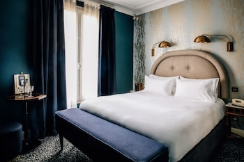 Superior Room (Pigalle)
