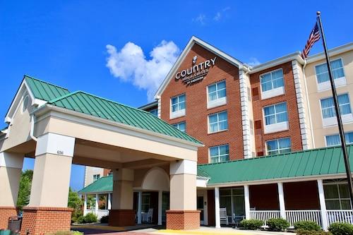 . Country Inn & Suites by Radisson, Fredericksburg, VA