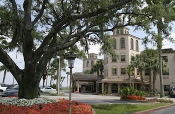 Sebring Vacations - Inn On The Lakes - Property Image 1