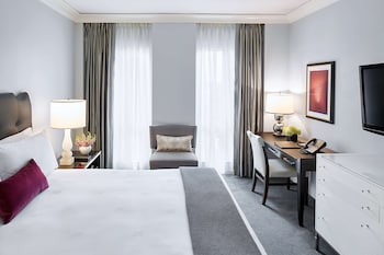 Superior Room, 1 King Bed, Accessible (Roll-In Shower)