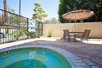 東北長灘賽普勒斯溫德姆拉昆塔套房飯店 La Quinta Inn & Suites by Wyndham NE Long Beach/Cypress