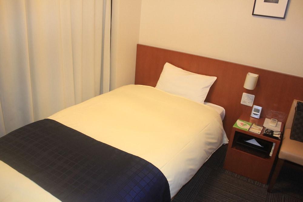 도미 인 가나자와 내추럴 핫 스프링(Dormy Inn Kanazawa Natural Hot Spring) Hotel Image 8 - Guestroom