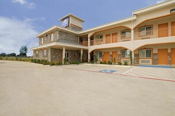 Hotel - Americas Best Value Inn Bedford at DFW