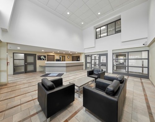 Residence & Conference Centre - King City, York