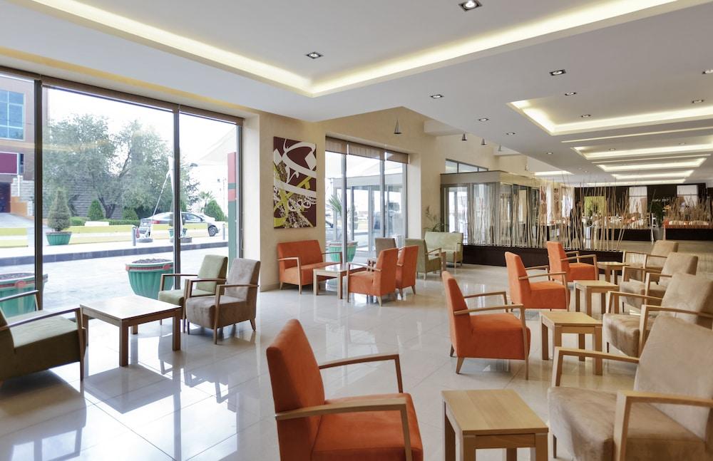 ibis Amman, Lobby Sitting Area