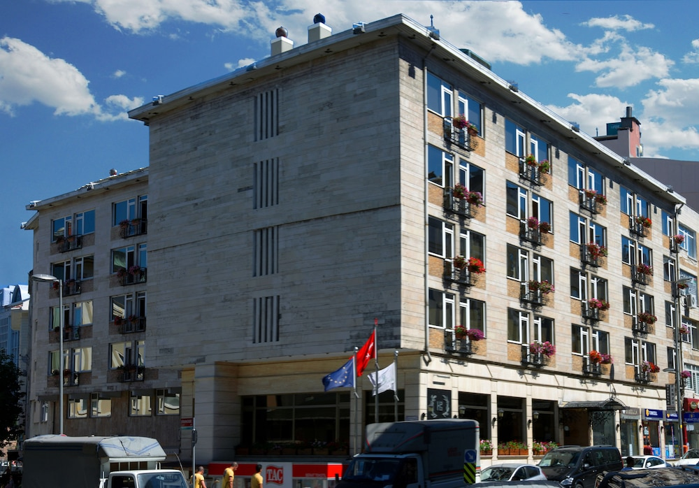 Hotel Buyuk Keban, Featured Image
