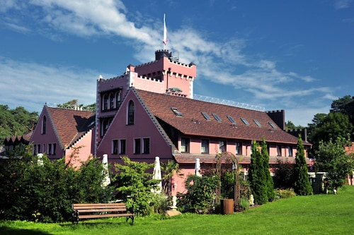 . The Lakeside Burghotel zu Strausberg