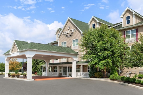 . Country Inn & Suites by Radisson, Carlisle, PA