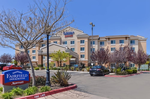 . Fairfield Inn & Suites by Marriott Santa Maria