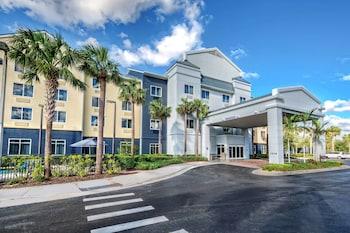那不勒斯萬豪費爾菲爾德套房飯店 Fairfield Inn & Suites by Marriott Naples