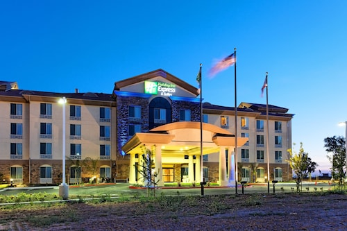 . Holiday Inn Express Hotel & Suites FRESNO NORTHWEST-HERNDON