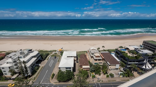 Norfolk Luxury Beachfront Apartments, Main Beach-South Stradbroke