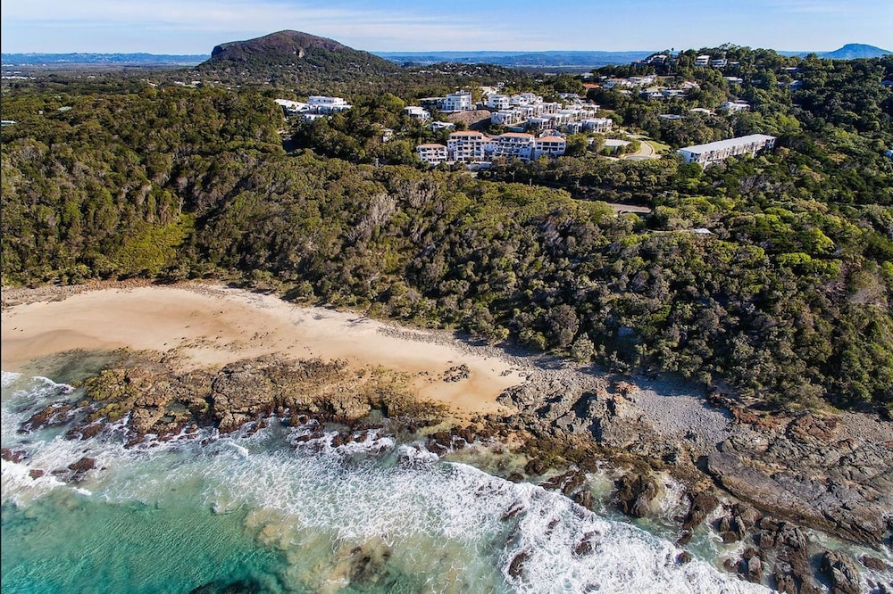 더 포인트 쿨럼 비치(The Point Coolum Beach) Hotel Image 105 - Aerial View