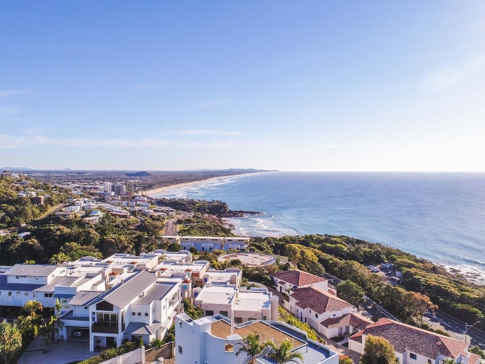 더 포인트 쿨럼 비치(The Point Coolum Beach) Hotel Image 106 - Aerial View