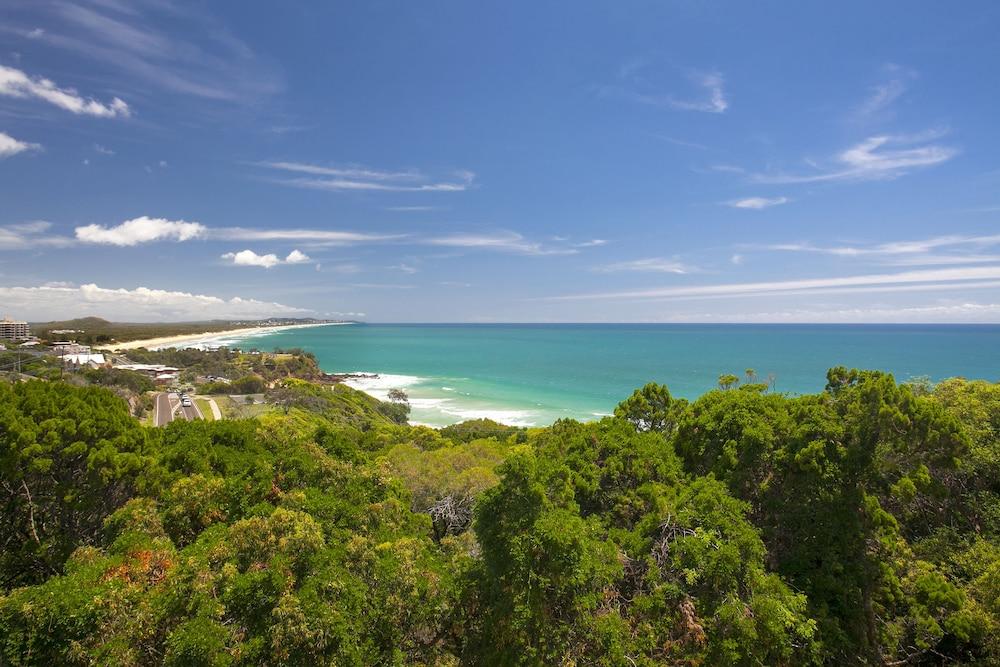 더 포인트 쿨럼 비치(The Point Coolum Beach) Hotel Image 110 - View from Hotel