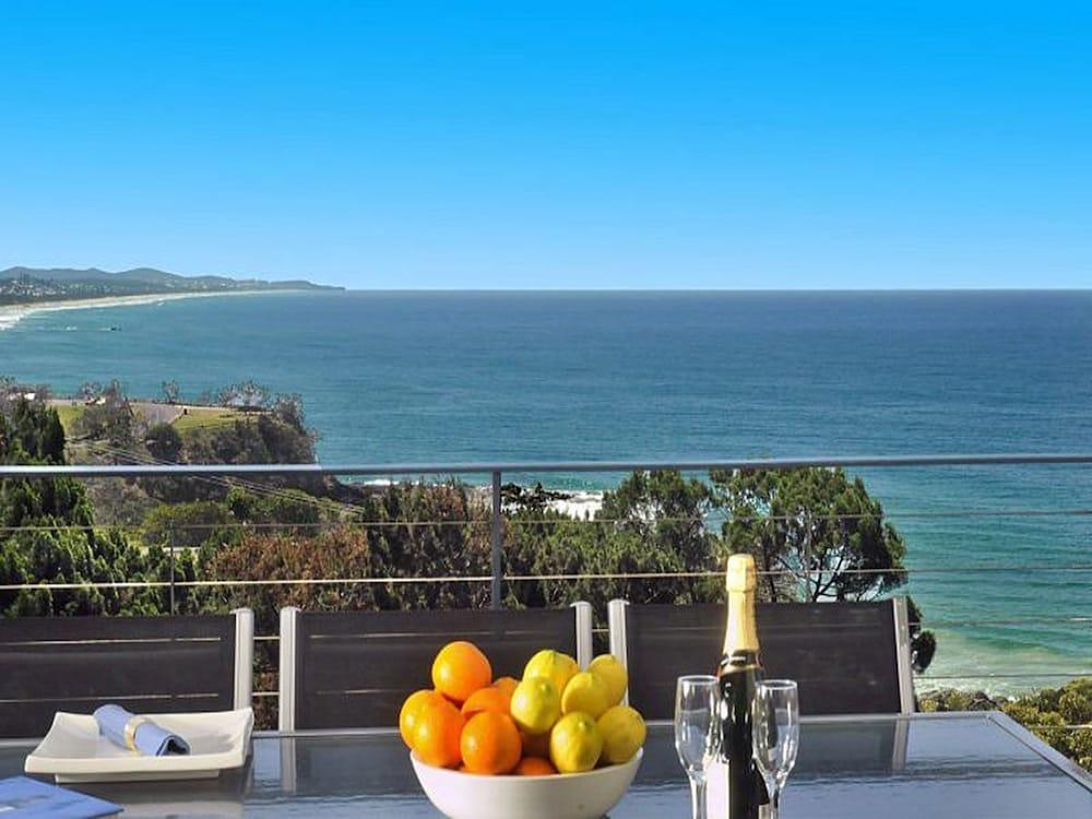 더 포인트 쿨럼 비치(The Point Coolum Beach) Hotel Image 99 - Outdoor Dining