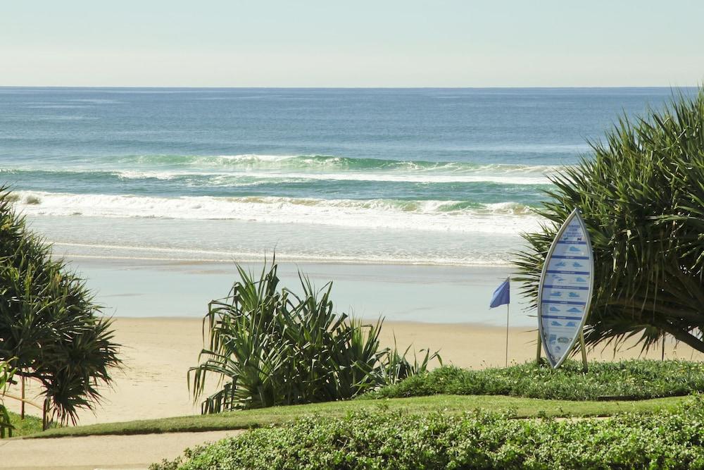 더 포인트 쿨럼 비치(The Point Coolum Beach) Hotel Image 111 - View from Hotel