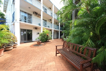 椰林假日公寓 Coconut Grove Holiday Apartments