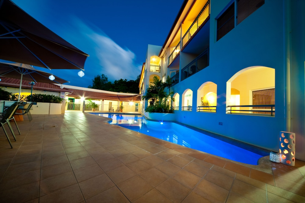 https://i.travelapi.com/hotels/3000000/2750000/2744500/2744419/4011d6de_z.jpg
