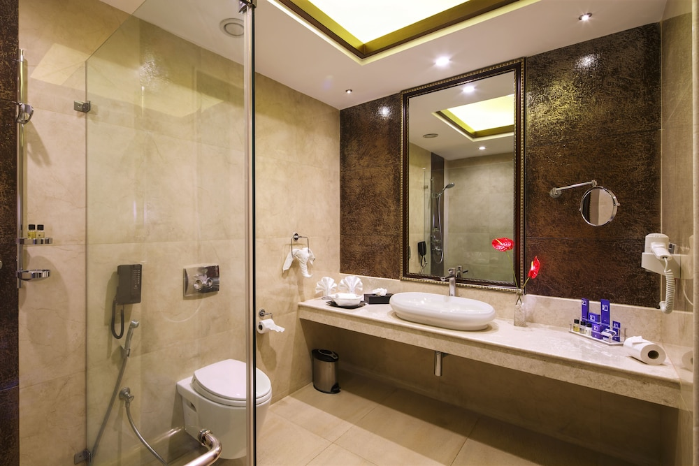클락스 엑소티카 컨벤션, 리조트 & 스파(Clarks Exotica Convention, Resort & Spa) Hotel Image 46 - Bathroom