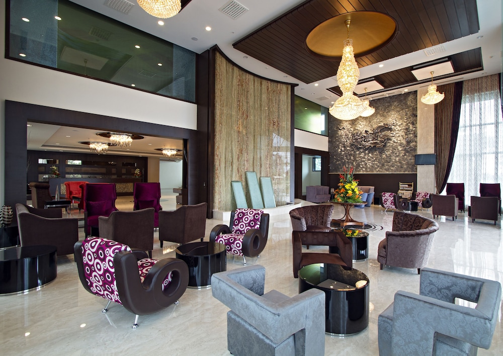클락스 엑소티카 컨벤션, 리조트 & 스파(Clarks Exotica Convention, Resort & Spa) Hotel Image 1 - Lobby Sitting Area