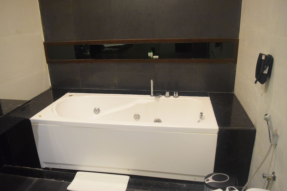 클락스 엑소티카 컨벤션, 리조트 & 스파(Clarks Exotica Convention, Resort & Spa) Hotel Image 52 - Bathroom Sink