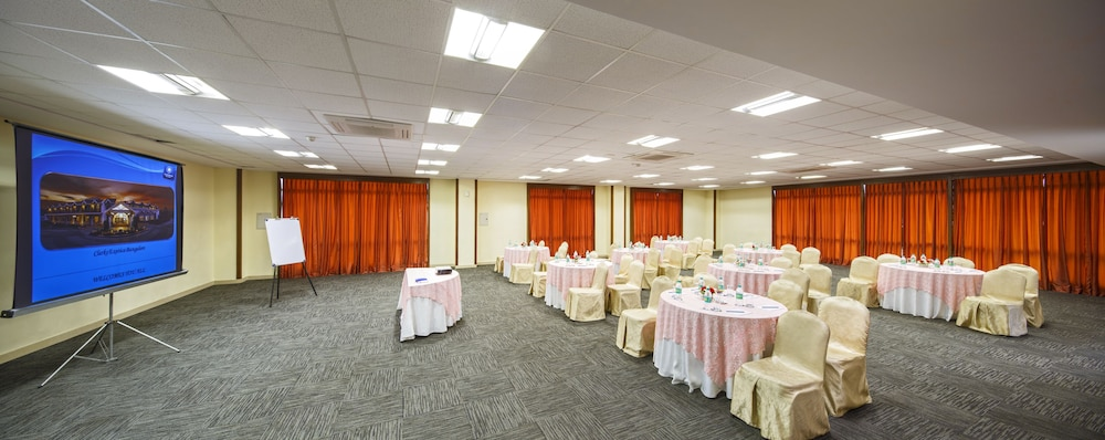 클락스 엑소티카 컨벤션, 리조트 & 스파(Clarks Exotica Convention, Resort & Spa) Hotel Image 98 - Banquet Hall