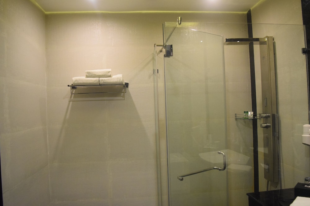 클락스 엑소티카 컨벤션, 리조트 & 스파(Clarks Exotica Convention, Resort & Spa) Hotel Image 48 - Bathroom