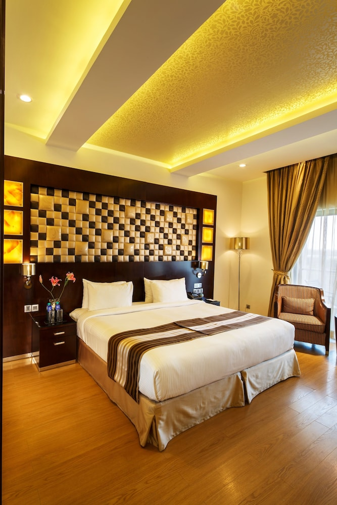 클락스 엑소티카 컨벤션, 리조트 & 스파(Clarks Exotica Convention, Resort & Spa) Hotel Image 15 - Guestroom