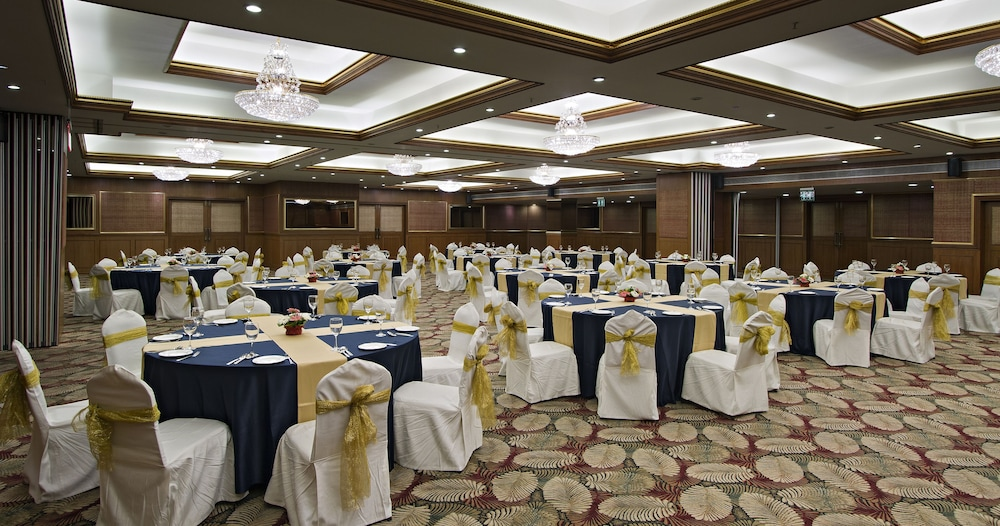 클락스 엑소티카 컨벤션, 리조트 & 스파(Clarks Exotica Convention, Resort & Spa) Hotel Image 100 - Banquet Hall
