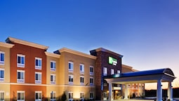 Holiday Inn Express & Suites Charlotte Southeast - Matthews, an IHG Hotel