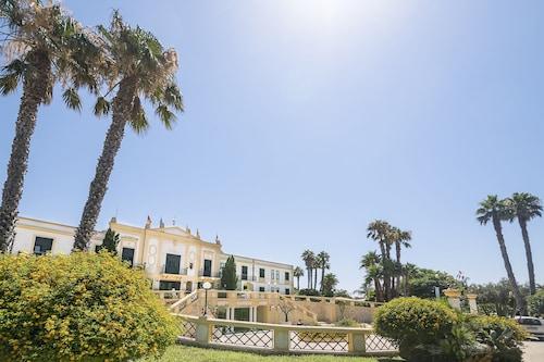 __{offers.Best_flights}__ Delfino Beach Hotel