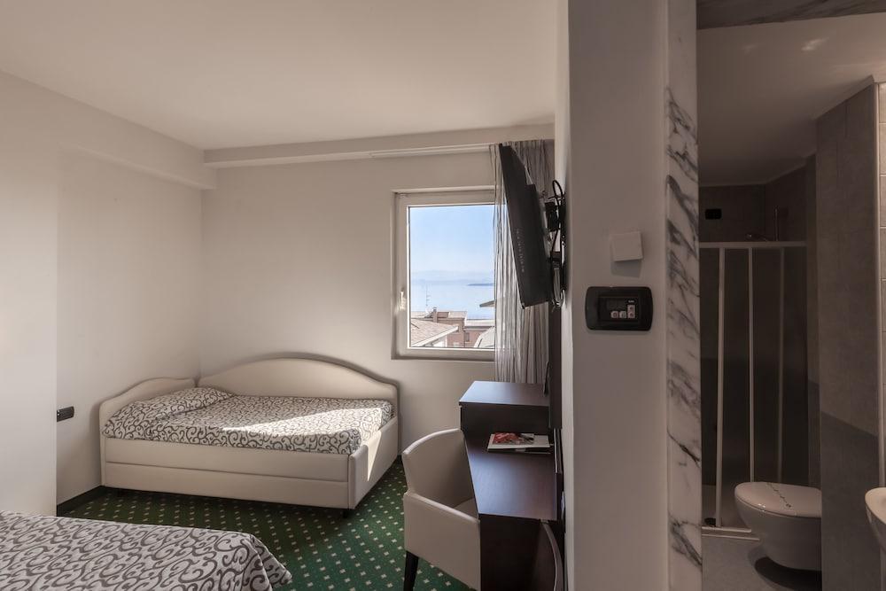 호텔 보노토(Hotel Bonotto) Hotel Image 8 - Guestroom