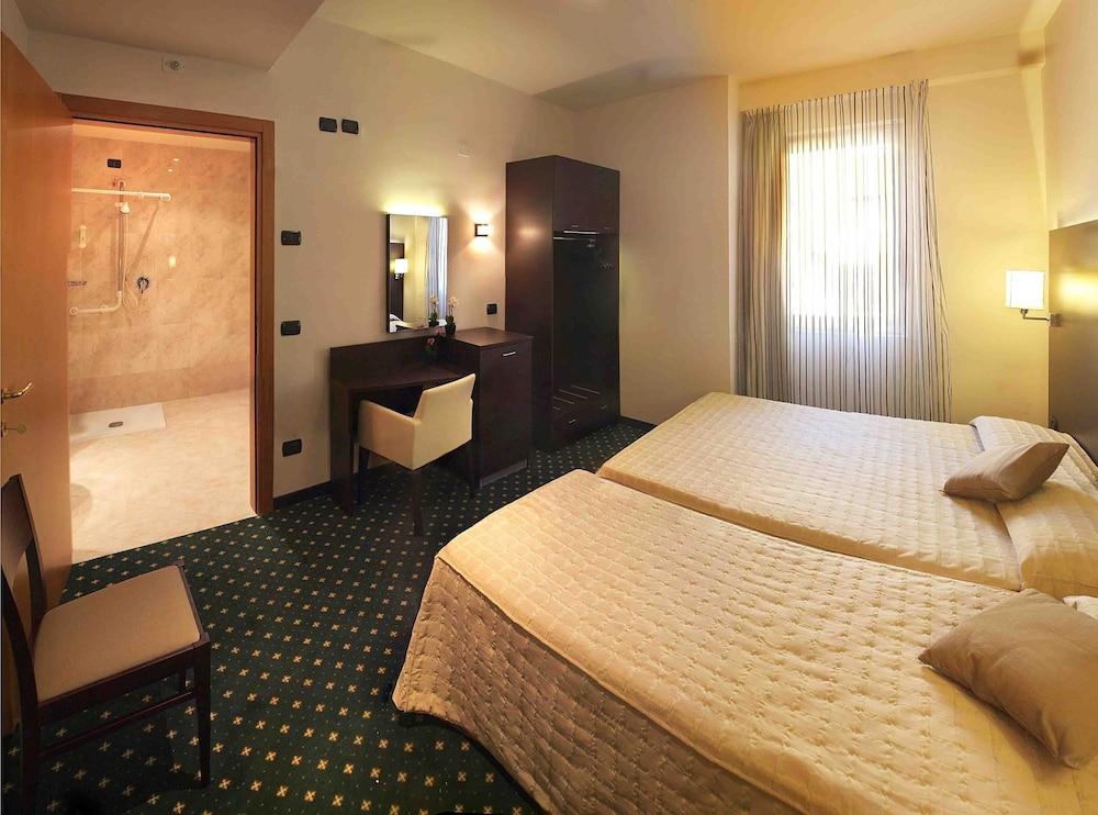 호텔 보노토(Hotel Bonotto) Hotel Image 4 - Guestroom