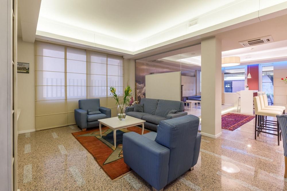 호텔 보노토(Hotel Bonotto) Hotel Image 1 - Lobby Sitting Area