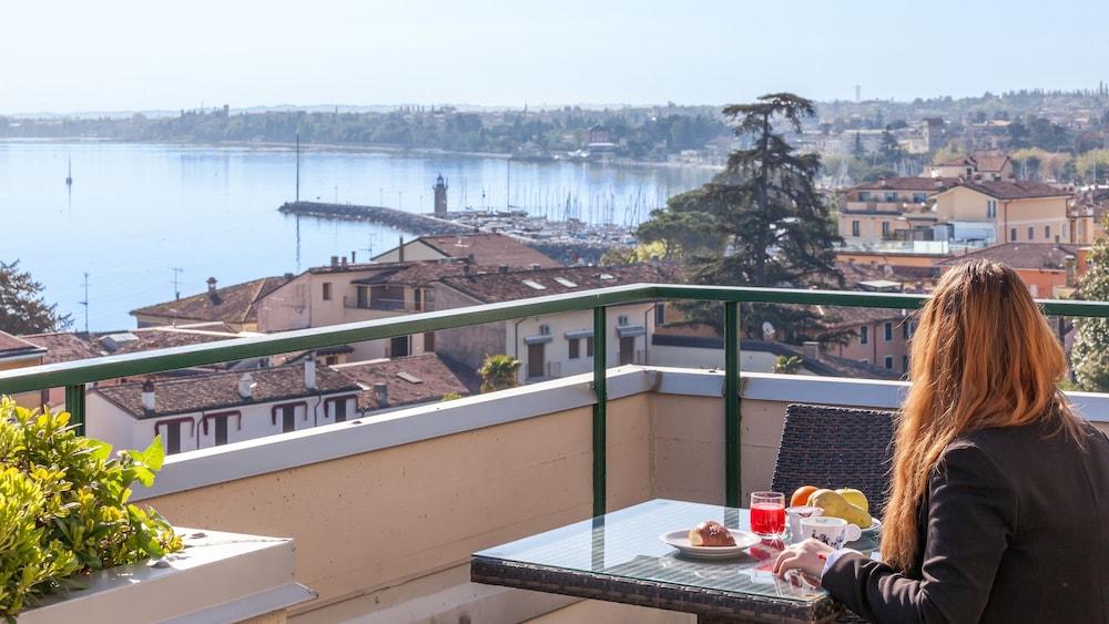 호텔 보노토(Hotel Bonotto) Hotel Image 28 - Terrace/Patio
