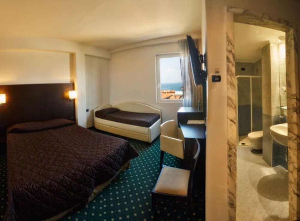 호텔 보노토(Hotel Bonotto) Hotel Image 15 - Guestroom